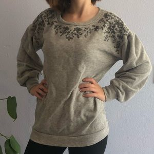 Sweat shirt with puffy sleeves